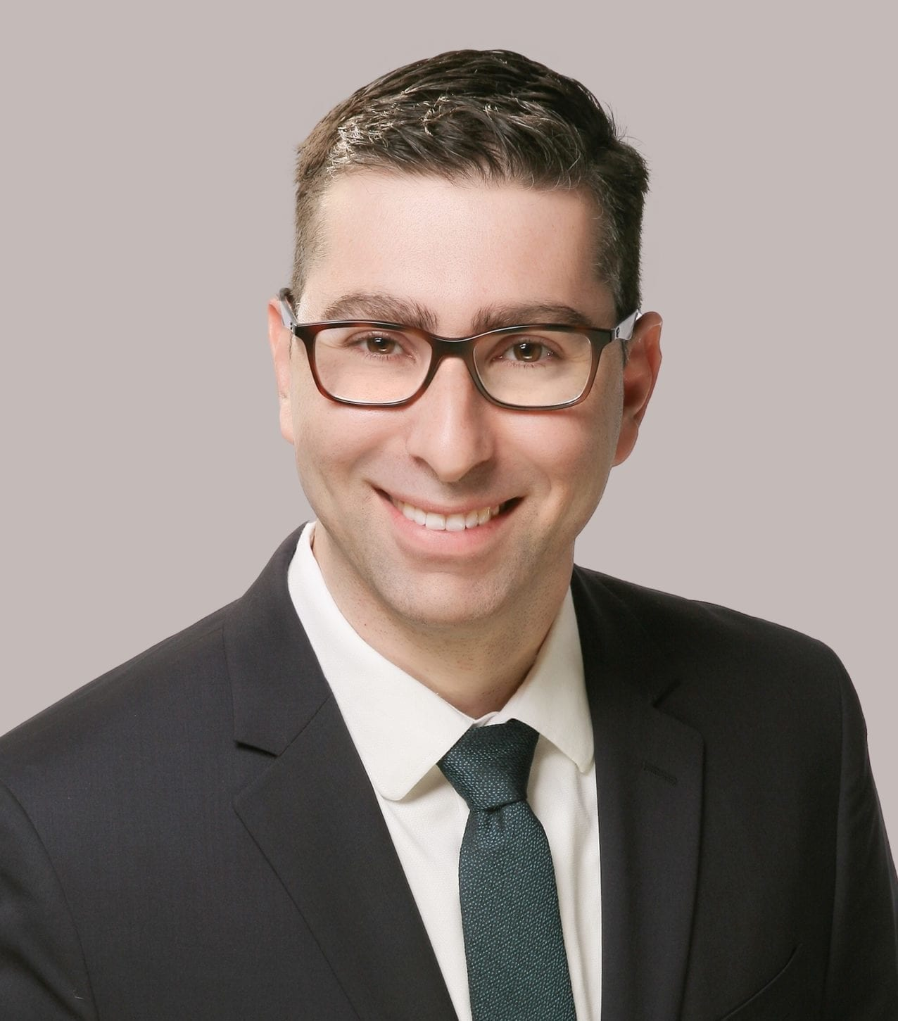 Dr. Ara Mirzaians headshot